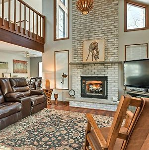 Poconos Home With Fire Pit, Hot Tub, Deck & Grill! photos Exterior
