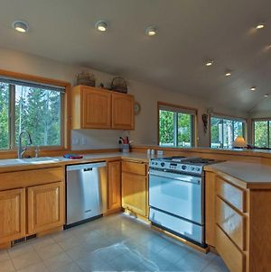 Bend Sunriver House With Private Hot Tub And Bikes! photos Exterior