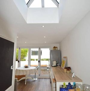 Bright & Homely 2 Bed House In Bedminster photos Exterior