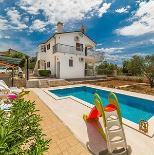 Holiday House Nena With Pool photos Exterior