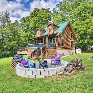 Maggie Valley Family Cabin With Porch And Fire Pit! photos Exterior
