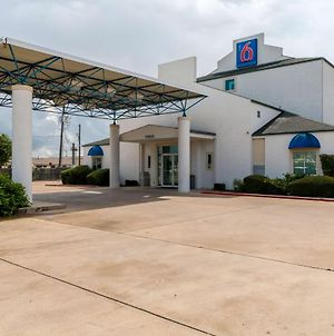 Motel 6 San Antonio South photos Exterior