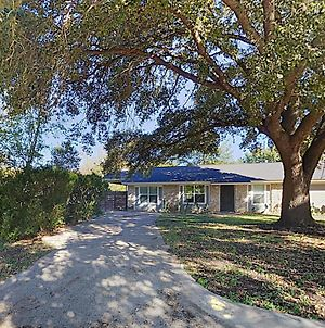 New Listing! Soco Charmer With Screened Porch, Yard Home photos Exterior