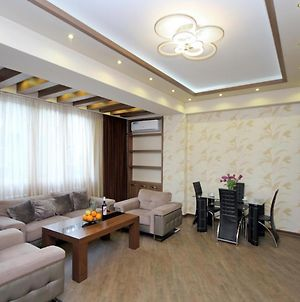 Exclusive 2 Bedrooms Comfort Apartment In New Building, Small Center, Yerevan photos Exterior