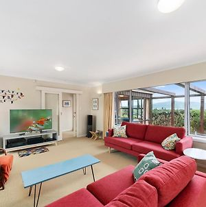Tranquility Base - Waikanae Beach Holiday Home photos Exterior