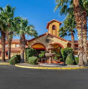 Quality Inn & Suites Goodyear - Phoenix West photos Exterior