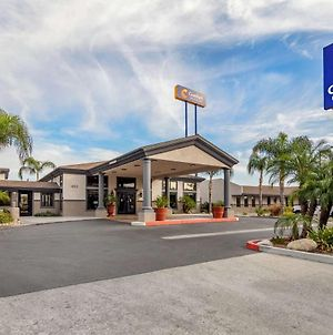 Comfort Inn And Suites Colton photos Exterior