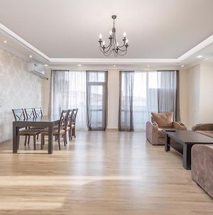 Central Yerevan 2 Bedroom Luxury Apartment photos Exterior