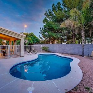Luxe 6 Bedroom Chandler Home W/ Heated Pool! photos Exterior