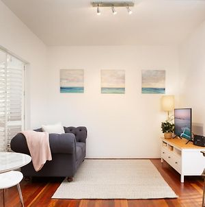 Tasteful Apartment With Balcony In Cammeray photos Exterior