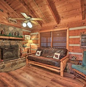 Quiet Cabin In Pigeon Forge With New Hot Tub! photos Exterior