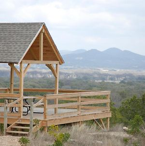 Family Home With Mtn Viewing Deck Near Utopia Park! photos Exterior