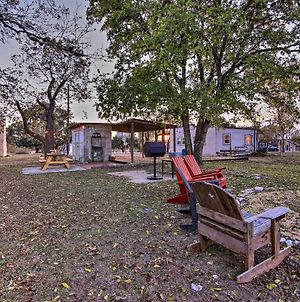 Restored Hill Country Cottage With Updated Yard! photos Exterior