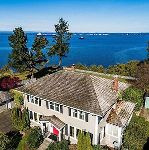 Port Angeles Colonial Home With Waterfront Views! photos Exterior