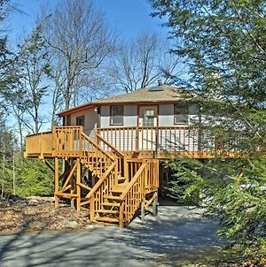 Blakeslee Round Home With Deck - 1 Mi To Big Boulder! photos Exterior