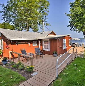 Blind Sodus Bay Family Cottage On The Waterfront! photos Exterior