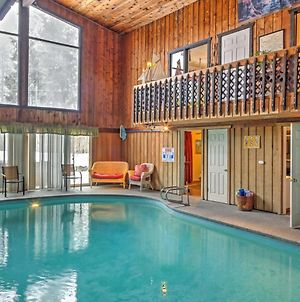 Spacious Mid-Century Home, Extended Stays Allowed! photos Exterior