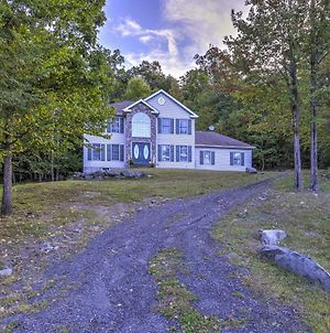Peaceful East Stroudsburg House With Deck And Grill! photos Exterior