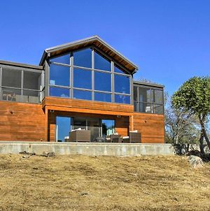 40-Acre Custom Coarsegold Home With Hot Tub And Views! photos Exterior