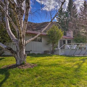 Charming White Bird Home With Mtn And Salmon River View photos Exterior