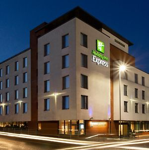 Holiday Inn Express Cheltenham Town Centre photos Exterior