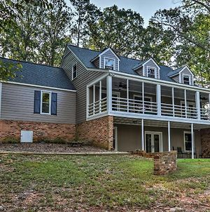 Renovated Lakefront Home With Dock - 11 Mi To Clemson photos Exterior