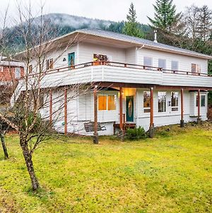 Ketchikan Home W/Bay Views - By Hiking Trails photos Exterior