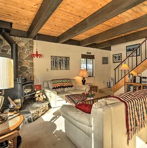 Classic Cabin With Pets Allowed 10 Mi To Northstar! photos Exterior