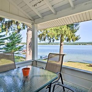 Petoskey Waterfront Cottage With Deck And Grill! photos Exterior