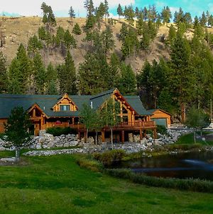 Custom Bitterroot Valley Cabin With On-Site Pond photos Exterior