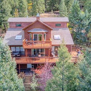 Expansive Mountain Retreat With Views Of Pikes Peak! photos Exterior