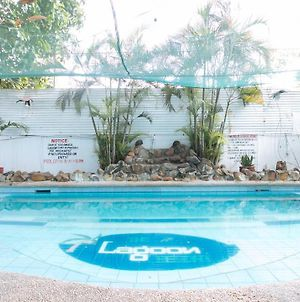 Reddoorz Plus @ Lagoon Beach Resort Zambales photos Exterior