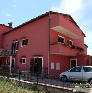 Apartment In Vrvari With Balcony, Air Conditioning, Wifi, Washing Machine photos Exterior