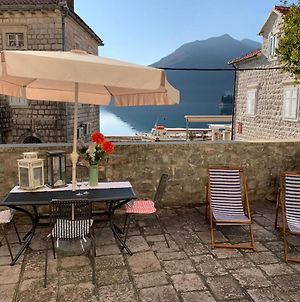 Villa Perast Apartment - Studio With Very Large Terrace For Couples Or Family photos Exterior