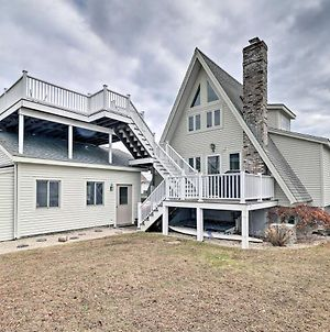 Charming Home With View And Private Beach Access! photos Exterior