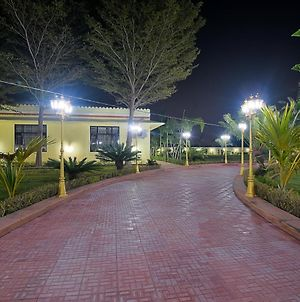 Livingstone 4 Bedroom Farm Stay In Pink City photos Exterior