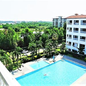 Pool View Apartment photos Exterior