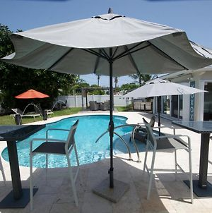 Heated Pool Bungalow Mins From The Beach In Deerfield Beach photos Exterior