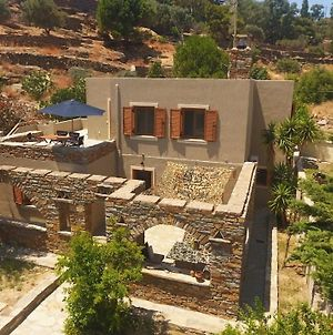 The Garden House Only A 2 Minute Walk From The Picturesque Marine Of Vourkari. photos Exterior
