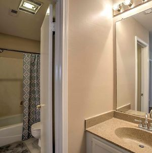 Baton Rouge Townhome With Pool Access - 7 Mi To Lsu! photos Exterior