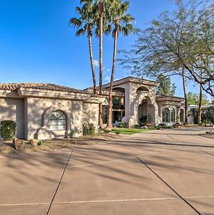 Lavish Paradise Valley Home With Sports Court And Pool photos Exterior