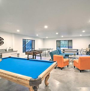 Summer Family Retreat With Tennis Court And Game Room! photos Exterior