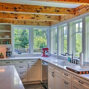Pet-Friendly House With Deck - 10 Mi To Stowe Mtn! photos Exterior