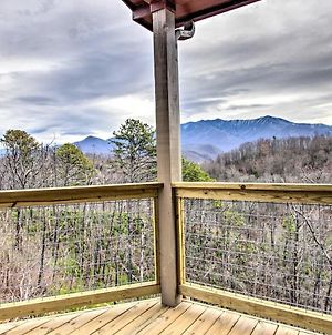 Stunning Mtn View Chalet With Hot Tub In Gatlinburg! photos Exterior