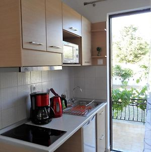 Fully Equipped Apartment With Garden photos Exterior