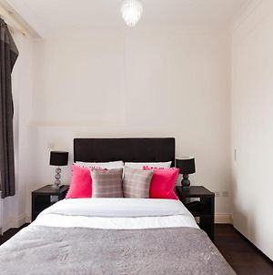 Modern 1 Bed In Knightsbridge Sleeps 3 photos Exterior