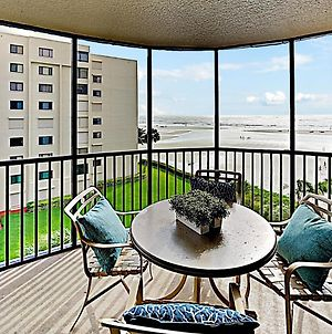 New Listing! All-Suite Beach Getaway With Pool Condo photos Exterior
