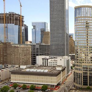Downtown Houston Furnished Apartment photos Exterior