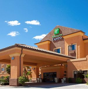 Holiday Inn Express Hotel & Suites Kingman photos Exterior