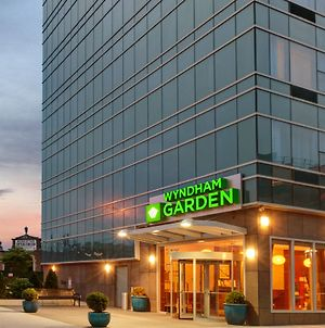 Wyndham Garden Long Island City photos Exterior